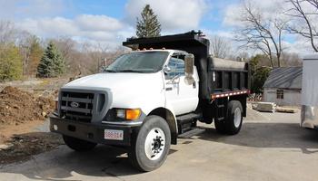 Ford - F750 Dump Truck