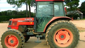 Kubota - M9000 Mudder ROPS