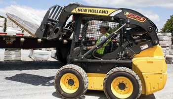 New Holland - L220