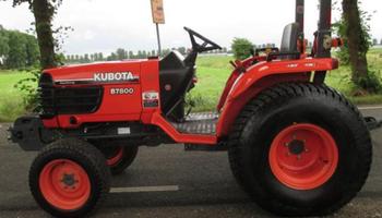 Kubota - B7800