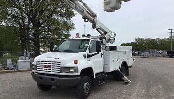 GMC - Topkick C5500 Utility Service Truck