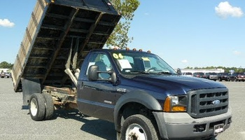 Ford - F450 Dump Truck