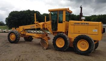 John Deere - 672B