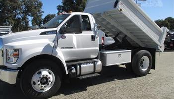 Ford - F650 Dump Truck