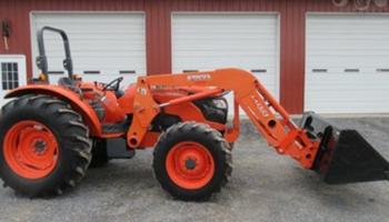 Kubota - Kubota M9960 Tractor + LA1353 Loader Bucket)